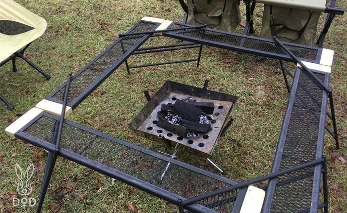 四角の囲炉裏テーブルにしたテキーラシリーズ