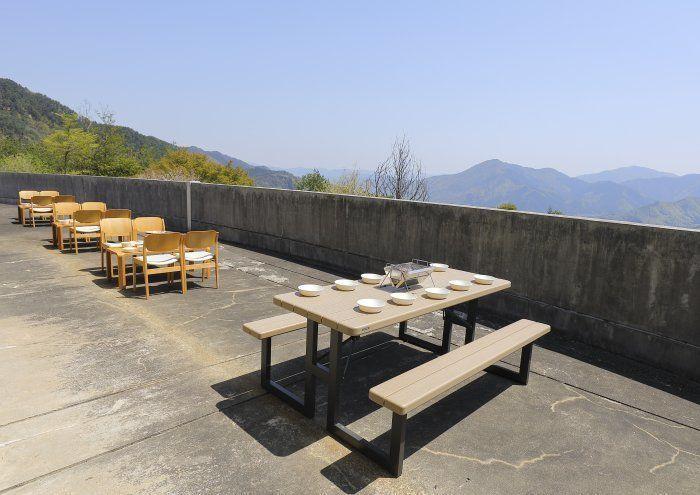 竹田城跡近くの天空テラス「雲海と星空のホテルテラスリゾートasago」