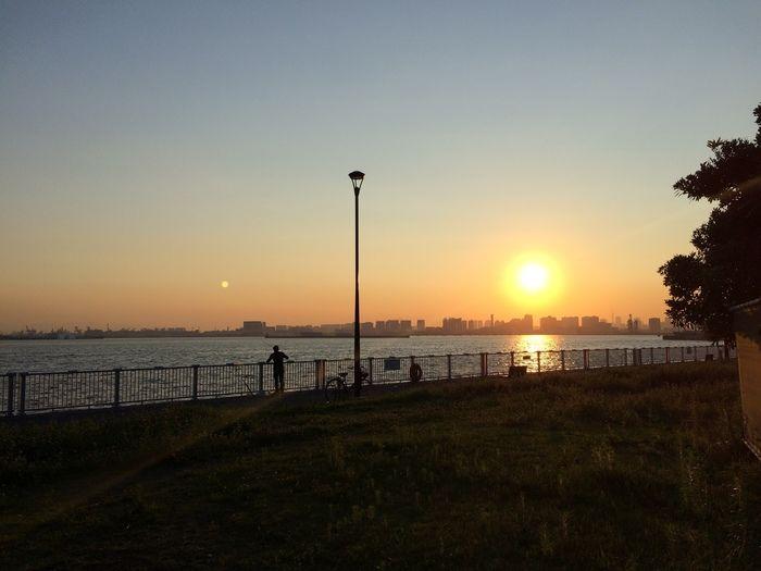 若洲海浜公園キャンプ場から見える夕日