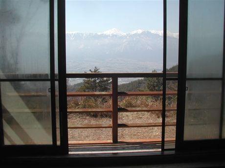 天平の森オートキャンプ場のコテージから見える景色