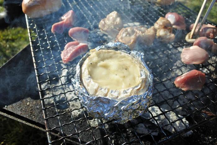 BBQコンロで作るカマンベールチーズフォンデュ