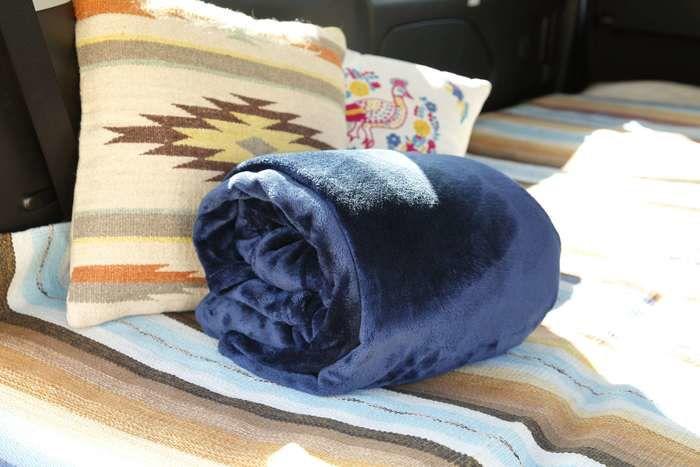 毛布とクッション