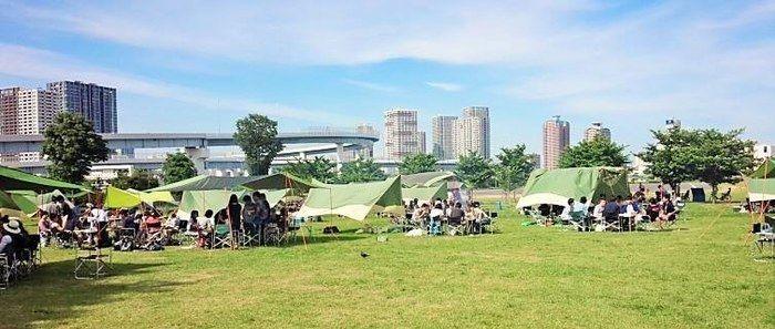 そなエリア東京バーベキューガーデンでのキャンプの様子