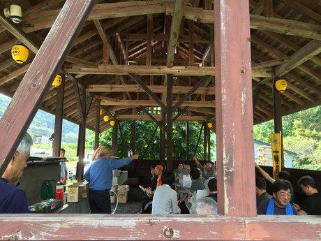みよりふるさと体験村 中三依温泉 男鹿の湯でバーベキューをしている様子