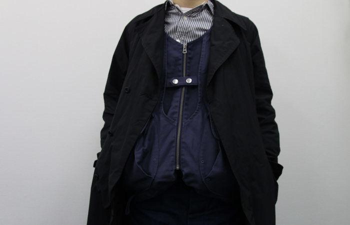 コートを上から羽織ったタキビベストの様子