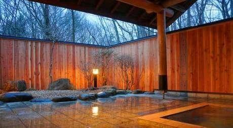 キャンプラビット内の温泉