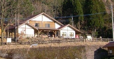 国定公園市房山キャンプ場の施設