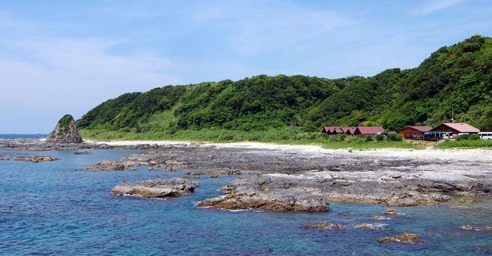 串本海中公園 海と山とコテージ