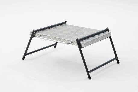 FREEDOMの縞板天板がテーブルやラックに大変身!専用の鉄脚が新登場