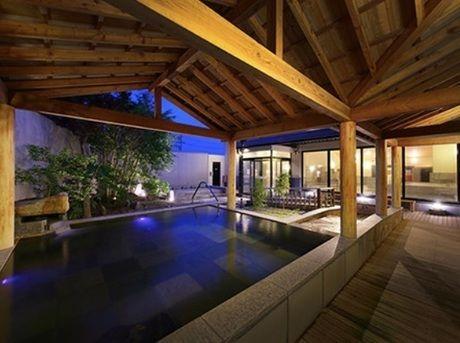 里美の湯の露天風呂