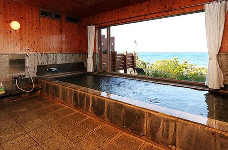 海紅豆のオーシャンビューのお風呂