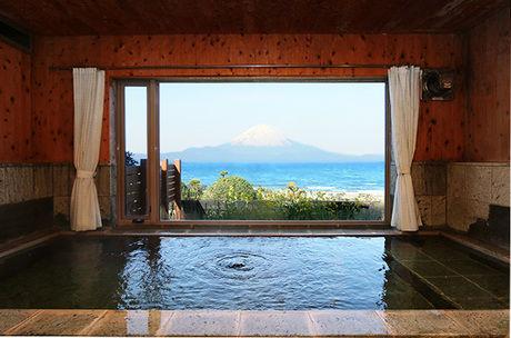 海紅豆の富士山が見えるお風呂