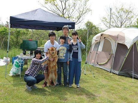 神栖市営日川浜オートキャンプ場でキャンプするファミリー