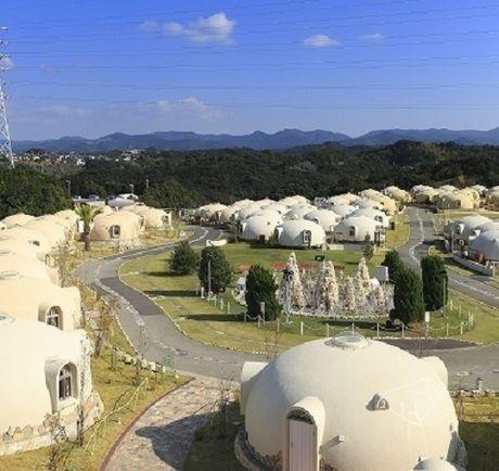 とれとれヴィレッジの変わった形の宿泊施設