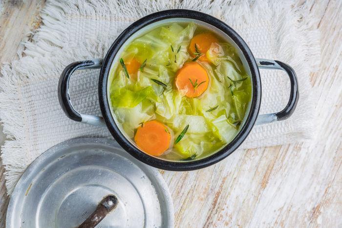 キャベツ丸ごとスープ