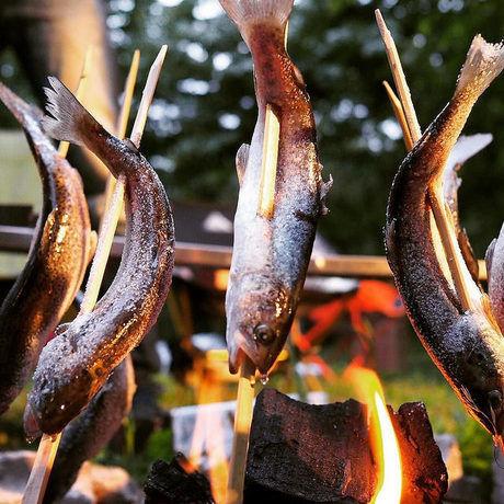 塩焼きにされている魚