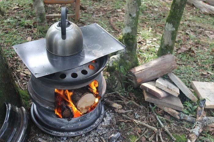 暖房器具でお湯を沸かしている様子