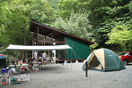 奥秩父入川渓谷夕暮キャンプ場のオートサイト