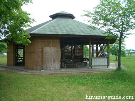 涸沼自然公園の屋根付きバーベキューハウス