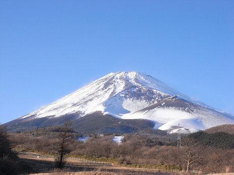 雪のかぶった富士山
