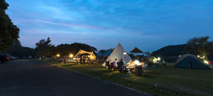 夕暮れ時の大池オートキャンプ場