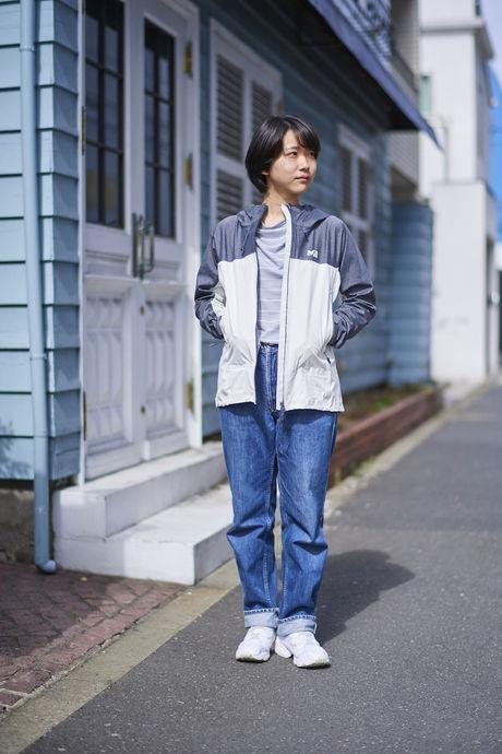 ミレーのジャケットを着た女性