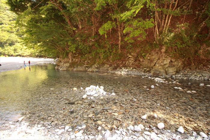 西丹沢大滝キャンプ場の小川