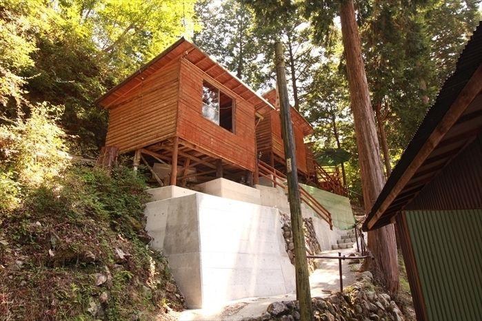西丹沢大滝キャンプ場の宿泊施設の外観