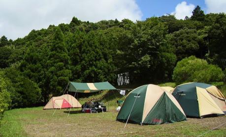 キャンピングヒルズ鴨川のテントサイト