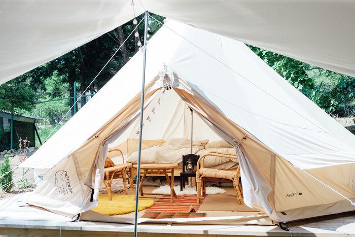 杜のテラスのテント