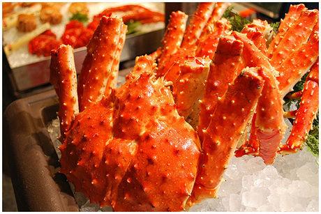 綺麗な色をした蟹の写真