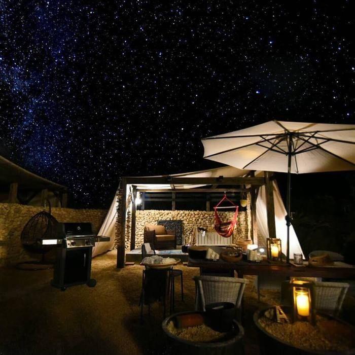 夜の石垣島でのグランピングの様子