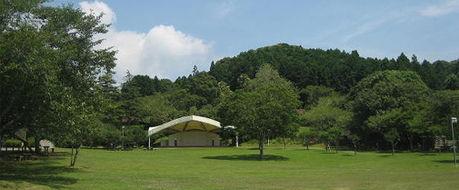 内浦山県民の森の中央芝生広場