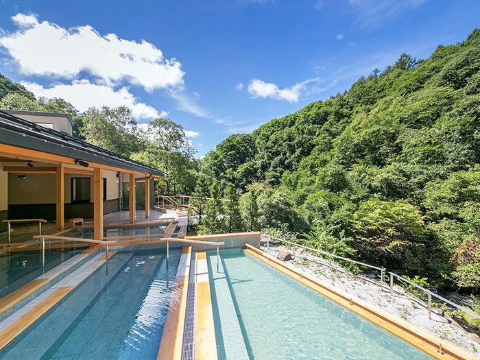 蓼科グランドホテル 滝の湯の露天風呂