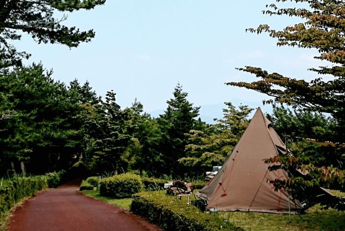 伊豆のキャンプ場のテント