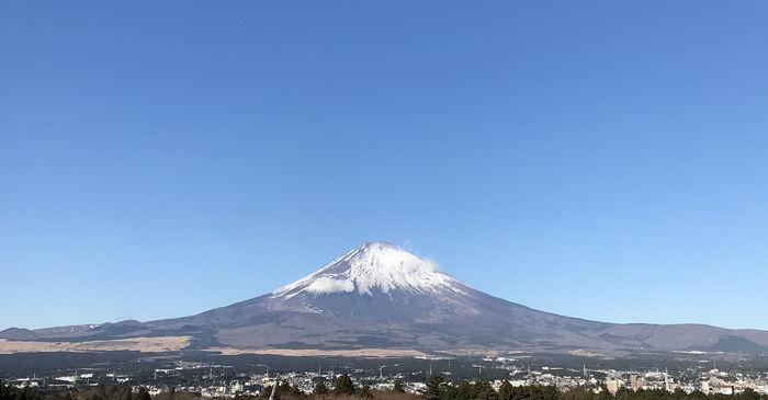 快晴の日の富士山の写真