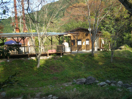 cazuキャンプ場のログハウス