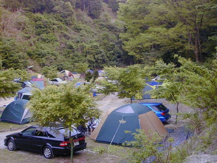 亀山湖オートキャンプのテントサイト