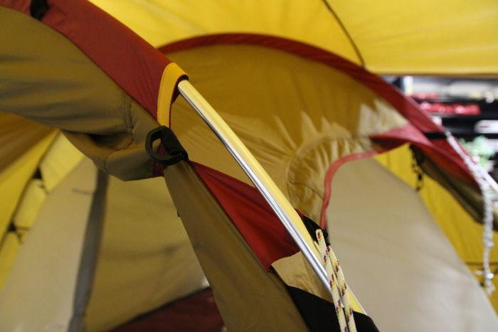 テントのポール
