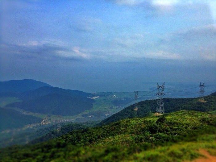 高台から撮った山の写真