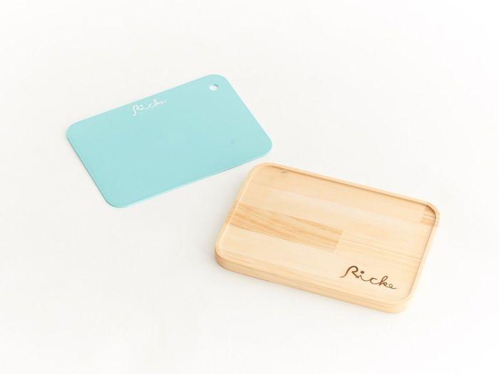 シートまな板と木のプレート