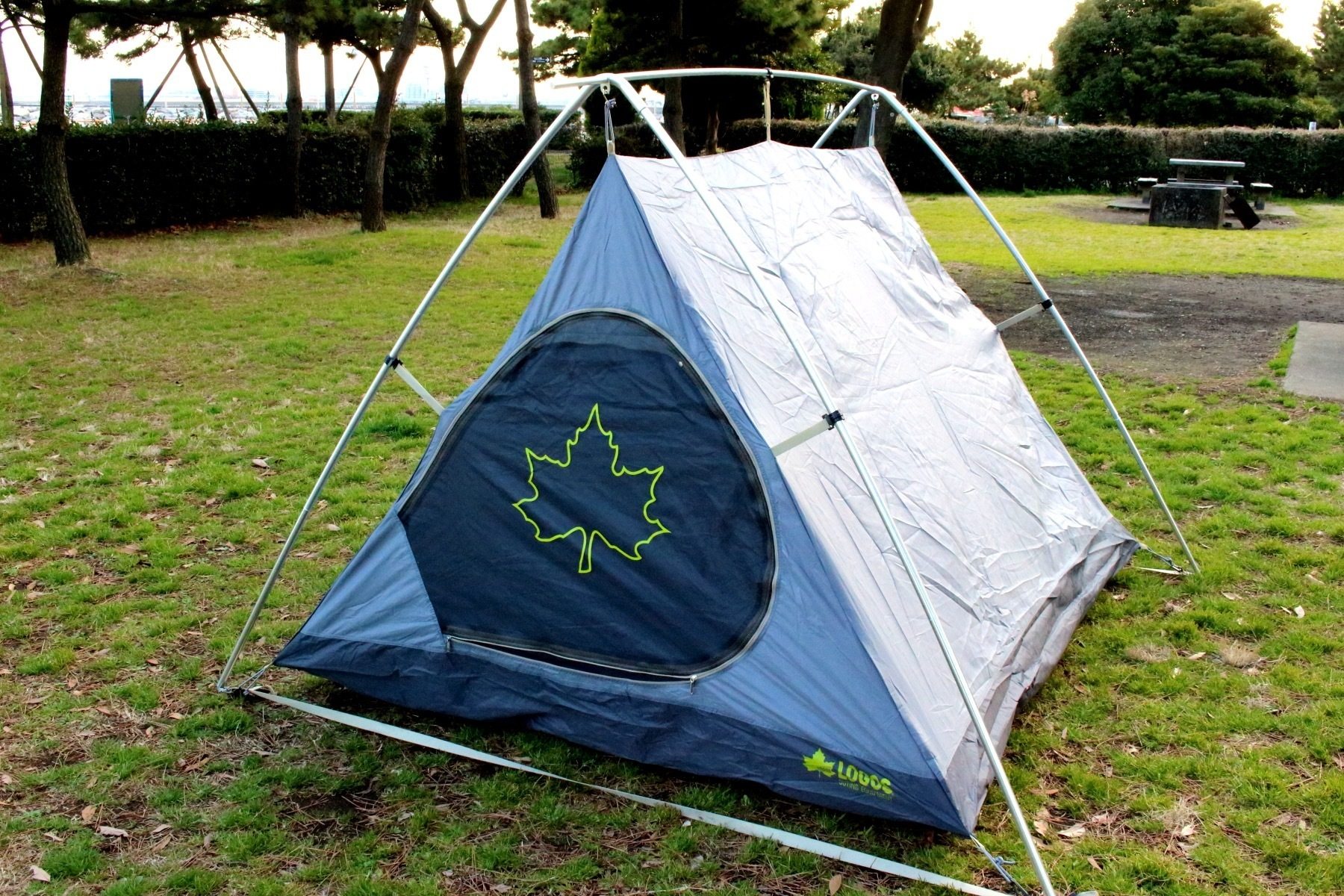 「LOGOS ナバホ Tent Type-A」の設営時、インナーテント