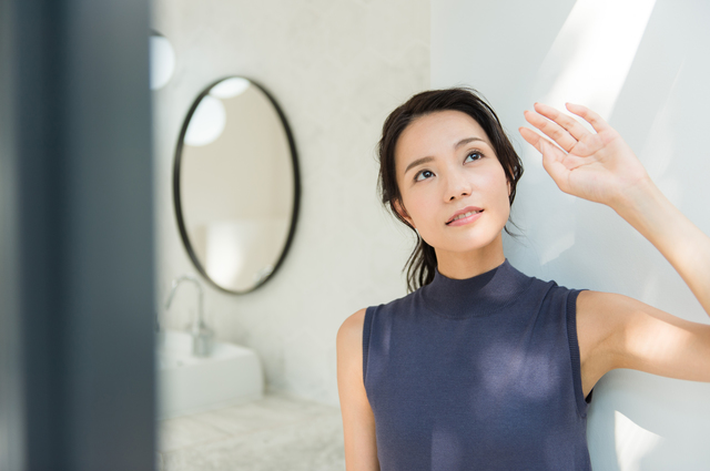 家にいるあいだも、あなたの肌は紫外線から狙われている。