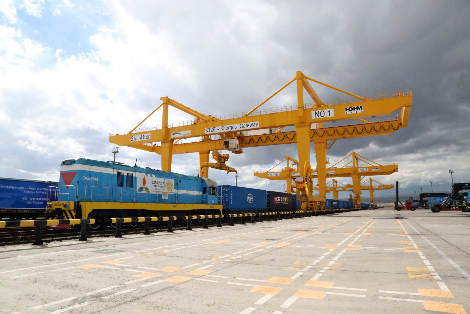 Cosco leading China's 'Belt and Road' drive - Nikkei Asian