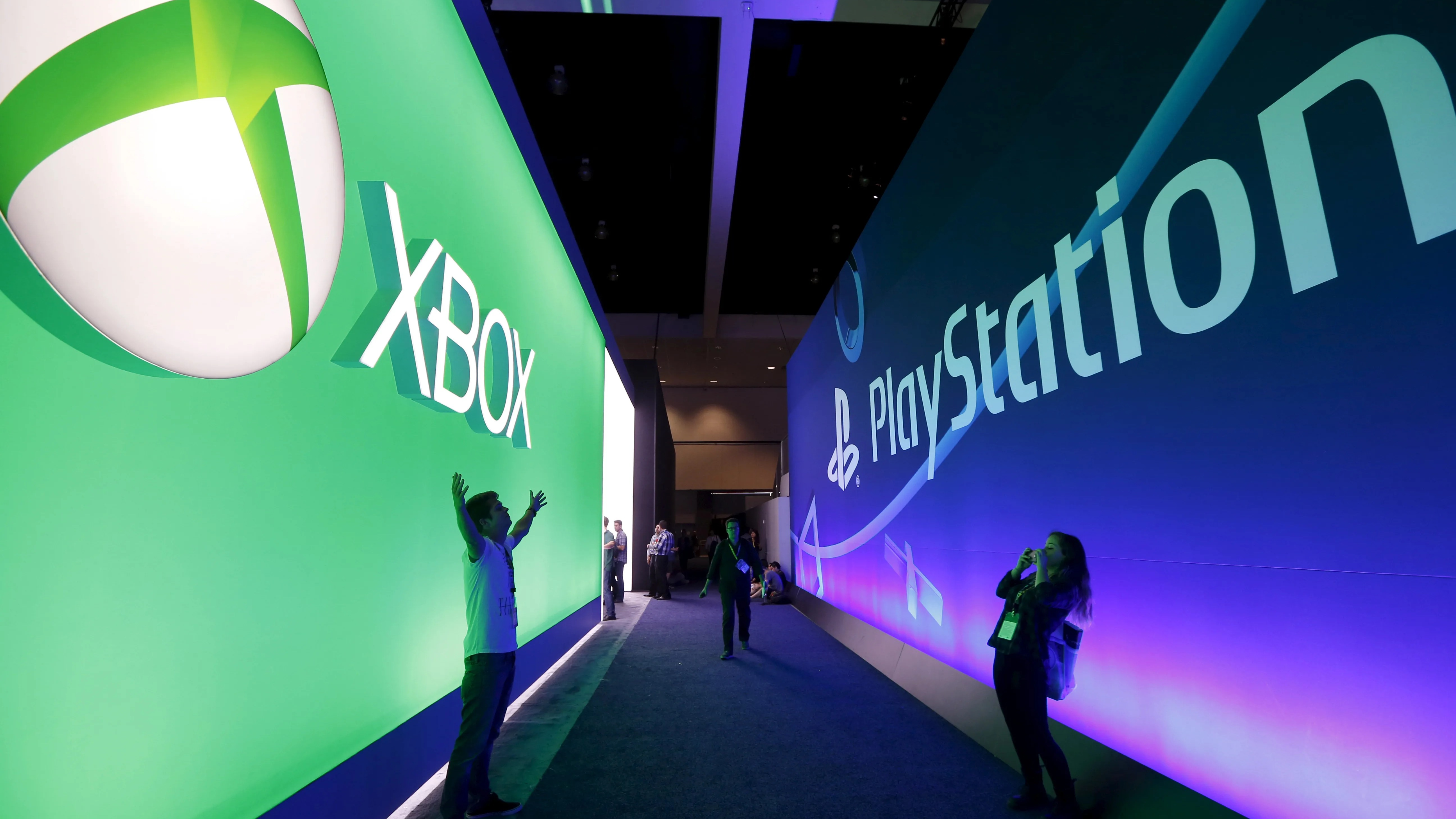 Sony and Microsoft set rivalry aside for cloud gaming
