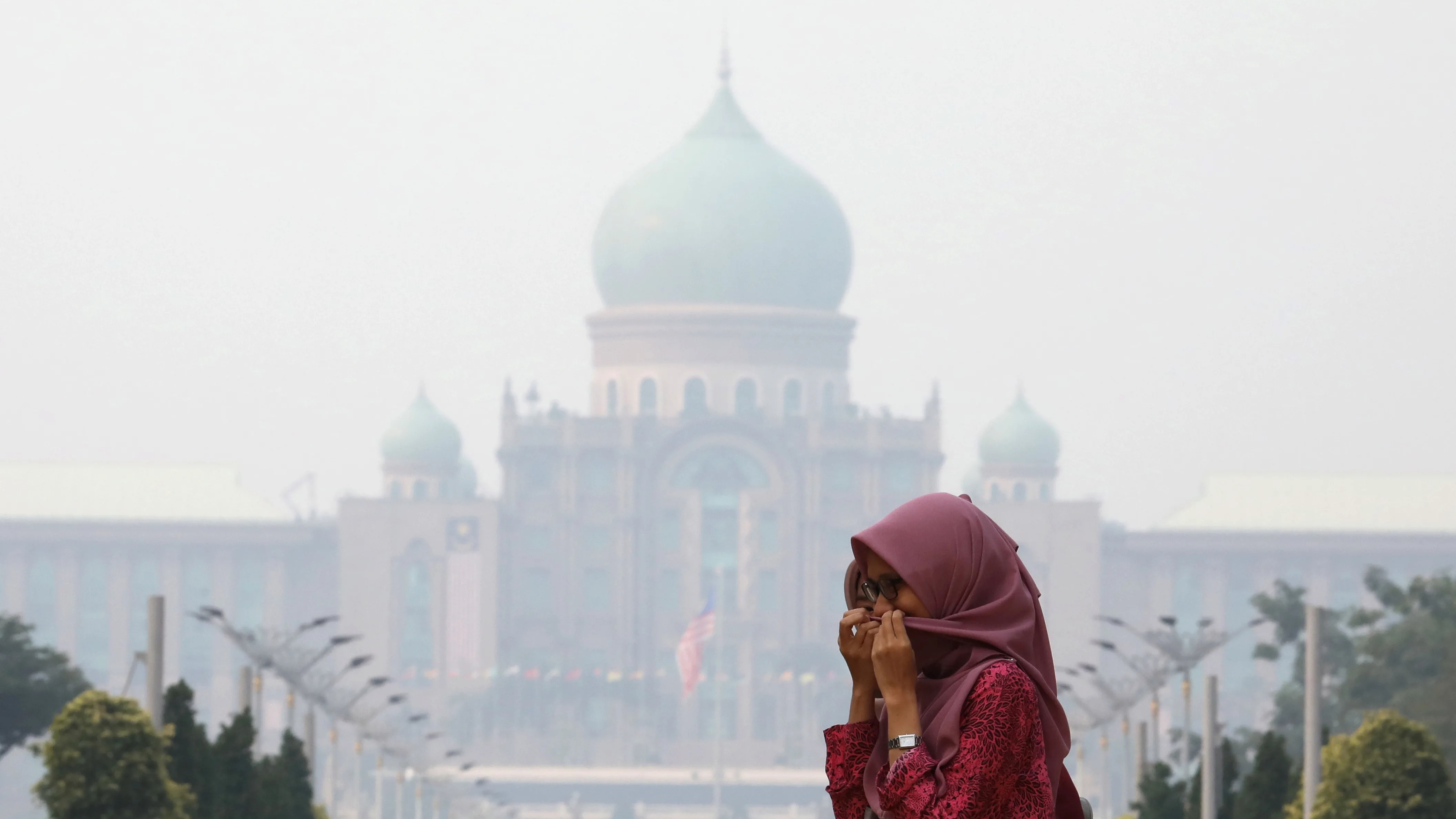 Haze Plagued Malaysia To Press Companies Over Indonesia Fires Nikkei Asian Review