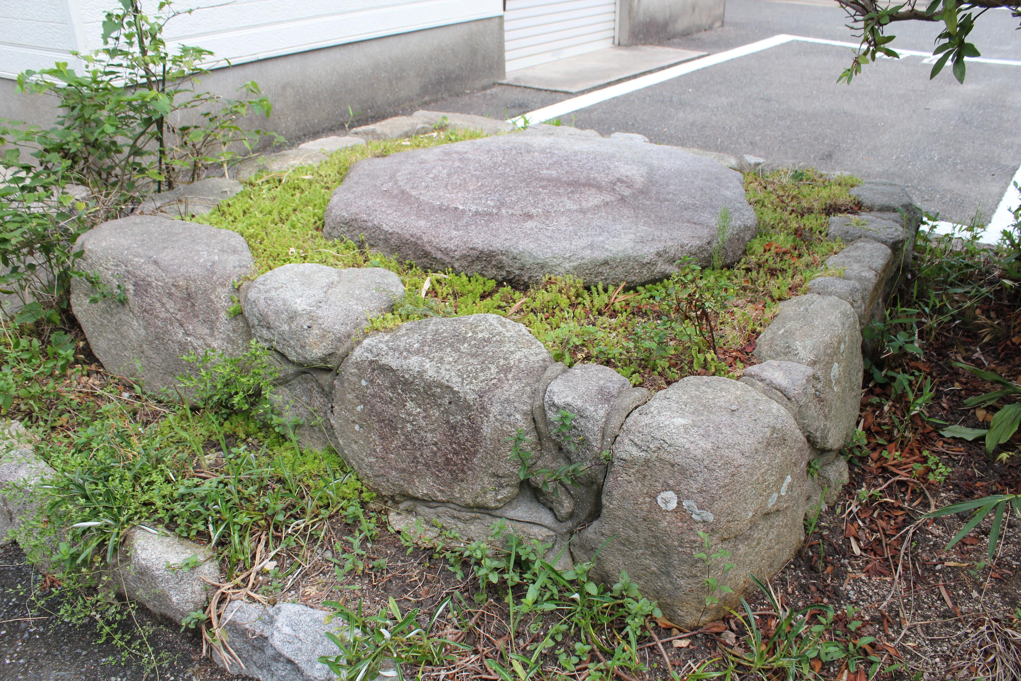 筑前国分尼寺の礎石
