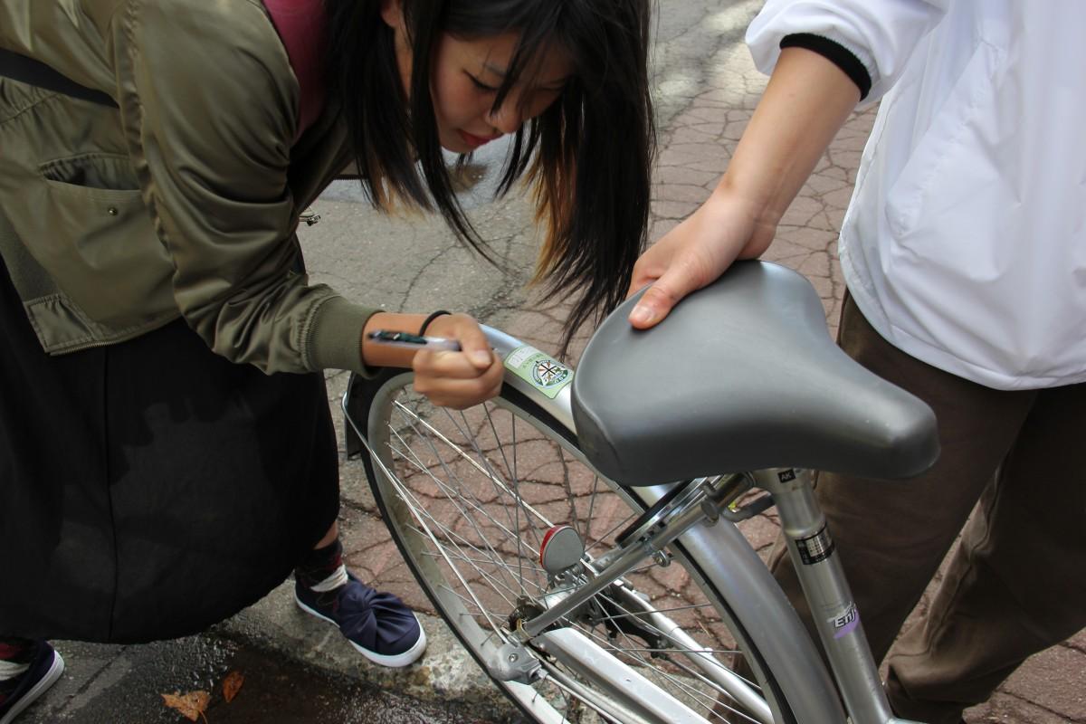 本学と江別警察署合同企画 「自転車盗難・交通事故防止啓発運動」を実施
