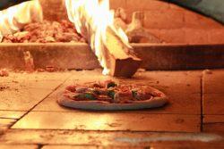 酪農学園大学×EBEZZAがコラボ!オリジナルピザを開発