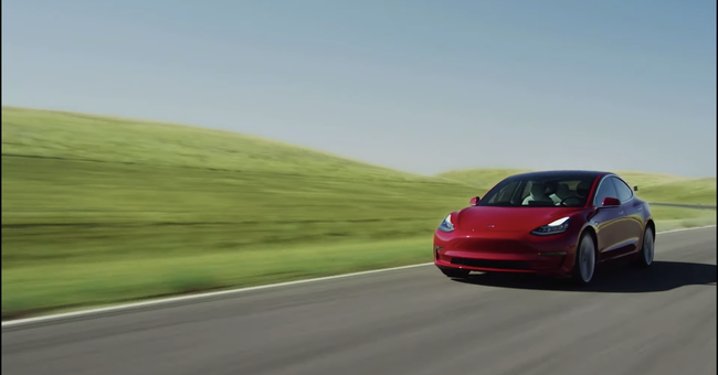 Tesla「2020年に無人タクシー乗れるよ。あと世界一の自動運転コンピューター作った」